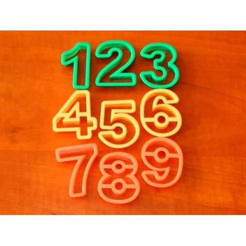 Vykrajovače - čísla a znaky 15ks