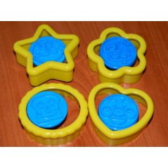 Cookie cutters and impression - smiling face