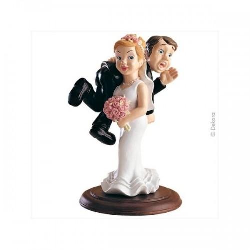 Svadobné figúrky - nevesta unáša ženícha