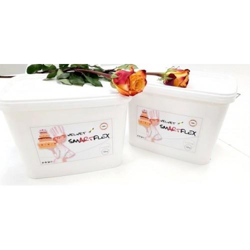 Smartflex velvet vanilka 10kg - potahovací hmota